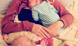 Early days with Twins {the 4th trimester} {Part2}